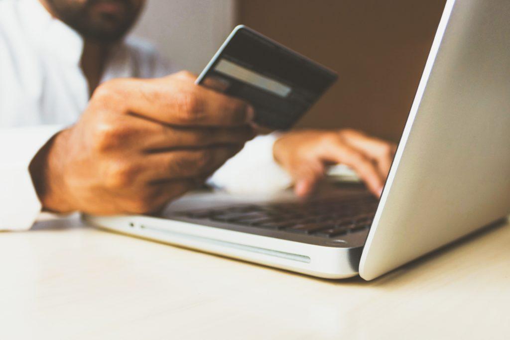 Fordelene ved å handle på nett